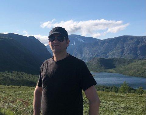 I FJELLHEIMEN: Gitarist Tore Østby er bosatt i Stockholm, men dro vestover på sommerferie. Derfra tok han en telefon til OA for å fortelle om bandets planer og kommende album.