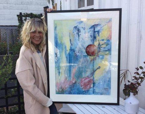 Berit Christensen fra Brevik donerer dette bildet hun har malt, til auksjonen «Kunst for Syria».