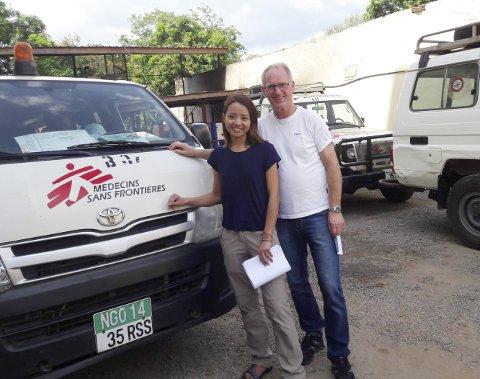 LEGE UTEN GRENSER: Martin Østensvig var fastlege i Rakkestad i 16 år. I 1997 begynte han som anestesilege ved Fredrikstad sykehus og jobber nå på Kalnes. I desember kom han hjem etter å ha bidratt i to måneder ved et sykehus i Bor i Sør-Sudan for Leger uten Grenser, her sammen med kirurgen Shanon Chan fra Hong Kong.