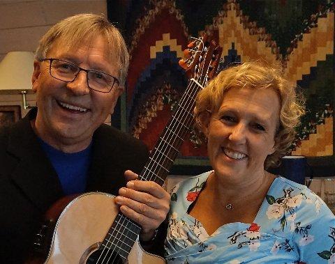 POPULÆRE: Pianist Mari Amundsen og gitarist Werner Johannessen kommer  til Vollen og holder førjulskonsert i Oslofjordmuseet.