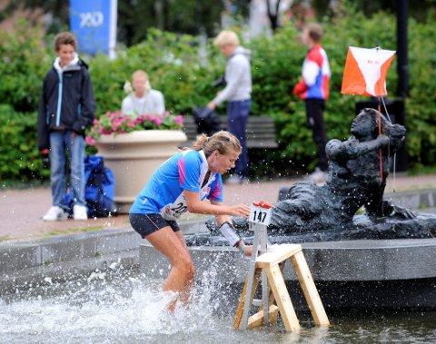NYTT STORT LØP: Sandefjord Orienteringsklubb har arrangert flere store mesterskap. Her fra Hovedløpet i 2008, hvor Kristine Fjeldbo og konkurrentene jaktet poster midt i sentrum.