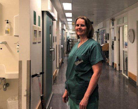 HEKTISK: Det er hektiske dagar for overlege Trine Kåsine på Radiumhospitalet. Intensivavdelinga behandlar no både pasientar med Covid-19, og dei som har fått blødningar og blodpropp etter å ha fått vaksine.