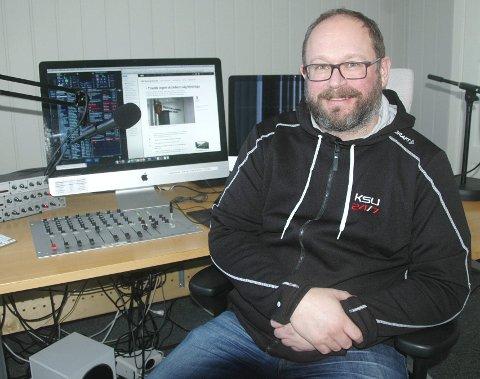Radioeier: Tore Lyngvær sier han tripper av forventning og teller ned timene til radio KSU 24/7 blir alene igjen på FM-nettet. Han tror det vil gi lokalradioen en «boost».