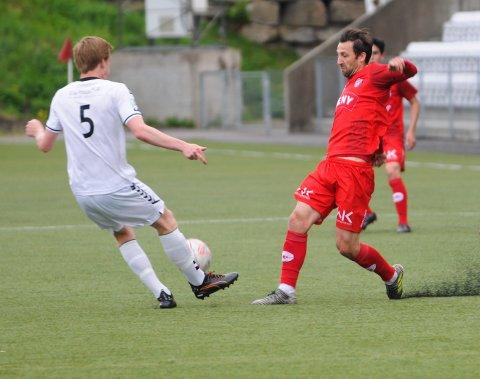 BEDRE ENN SIST: FK Tønsberg og Damian Aldas spilte bedre under dagens kamp mot Urædd enn i kampen mot Ørn 21. mai, som dette bildet er fra.