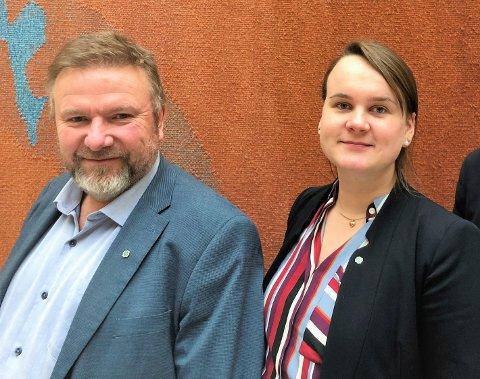 Kritiske: Bengt Fasteraune og Marit Knutsdatter Strand er ikke begeistret over regjeringens forslag til endring av domstolene i Norge. Det kan føre til færre sorenskrivere landet over.