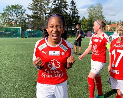 Hanna Pedersen jubler for avansement i Norway Cup etter seieren mot Blindheim i åttendedelsfinalen.