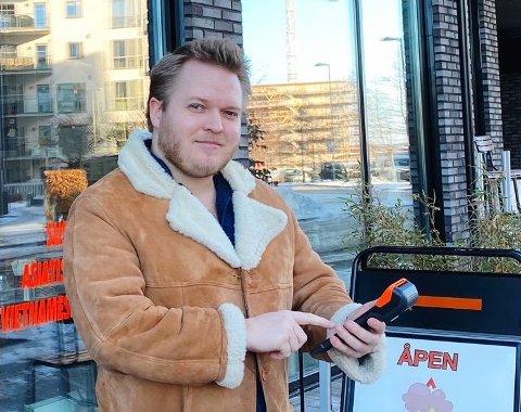 Paal Friele Grung (29), daglig leder i Deel, forteller om en økende etterspørsel etter takeaway.