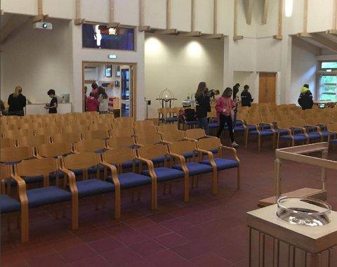 Olsvik kirke åpnet dørene for ivrige Pokémon-spillere søndag.
