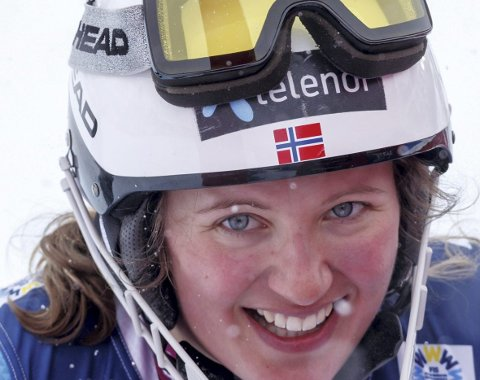 Lysforholdene ødela mye i utfordelen, men etter en knall-slalåm kunne Maria Tviberg likevel smile fredag ettermiddag. Åsane-jenten, som kjører for Geilo, endte til slutt på en oppløftende 14.-plass.