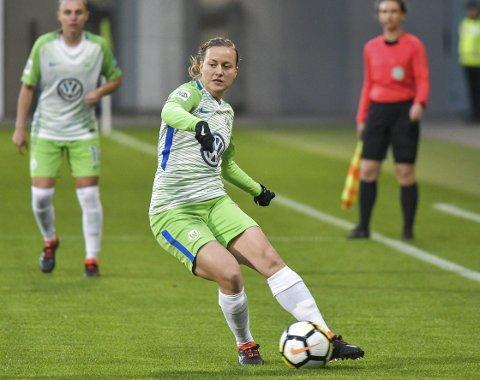 Kristine Minde har startet to kamper, vært ubenyttet i én kamp og blitt byttet inn i de resterende kampene siden overgangen til den tyske storklubben Wolfsburg. – Jeg trives veldig godt! Vi har et veldig bra miljø, og treningshverdagen er bra, sier hun.Foto: Wolfsburg