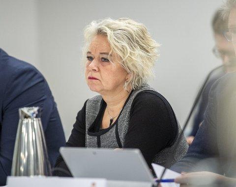 Smittesituasjonen på Askøy er alvorlig. Ordfører Siv Høgtun (H) oppfordrer alle til å holde seg hjemme.