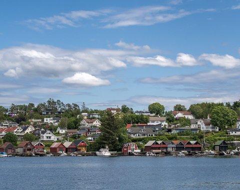 Christoffer Thomsen, leder i Bergen Frp, synes bergenserne bør få lov til å bygge mer langs sjøen, og at håndhevingen av strandsonevernet er blitt for streng.