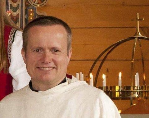 VIL  HA FLEIRE FOLK: Frode Skeide, sokneprest Gaular håper fleire melder seg på gudstenestene i Bygstad i jula.