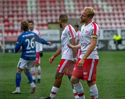 Det ble en real stang ut-dag for FFK og Henrik Kjelsrud Johansen. Etter 13 strake seire i serien, kom tapet mot formlaget Hødd som vant 3-1 på Stadion.