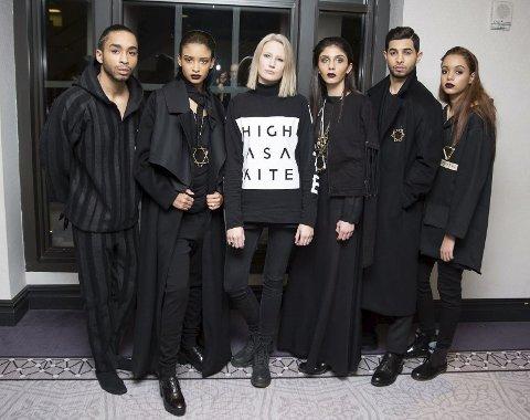 TEAM: Siri Sveen Haaland (med lyst hår) blant dem som viste kolleksjonen hennes i under New York Fashion Week.