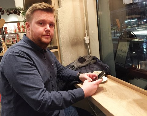 – Jeg synes det er helt hårreisende hvordan banken har behandlet meg som kunde, sier Mads Løberg Kveldstad. Banken vil bare tilbakebetale 30.000 av beløpet – selv om tyven innrømmer å ha tatt pengene og nå er dømt.