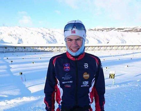 SØLVGUTT: Espen Aakervik hadde all grunn til å smile etter å ha sikret seg sin første NM-medalje. Foto: Privat