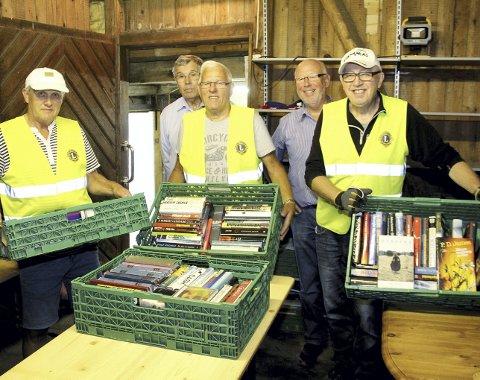 Flytter inn: Kasser med bøker begynner å fylle lagerrommet i Tordenskioldsgate. Lørdag åpner «Bruktboden». Foto: Pål Nordby
