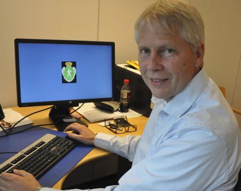BEVISSTHET: Oddvar Kaasa forteller at datasikkerhet er det høyest prioriterte området i den interkommunale IKT-organisasjonen som holder styr på datasystemene i ni kommuner.