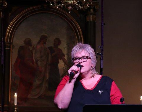 Konserten ble åpnet av Anita Skullestad som sang Glade Jul.