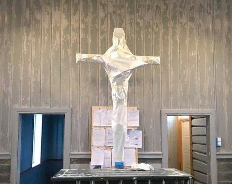 Jesus har vært godt beskyttet fra malesøl under oppsussingen.
