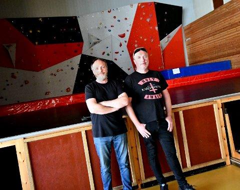 Steinar Synslien og Tommy Hagemo tok turen innom Otta samfunnshus en siste gang torsdag kveld.