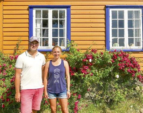 FERIERER: Jens Dedichen og Hege Anita Wessel tilbringer sommerferiene her og ønsker å bevare huset som det er.