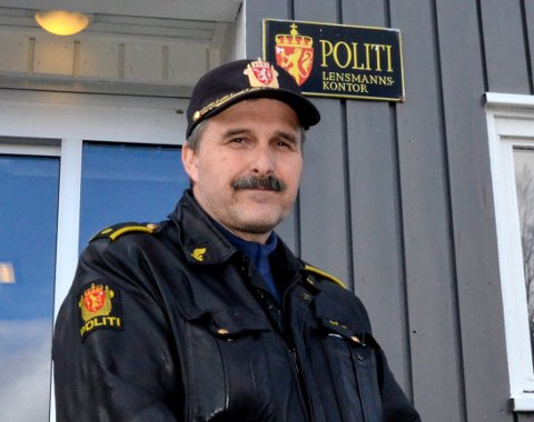 Politiførstebetjent Steinar Bergem ved Hemnes lensmannskontor.