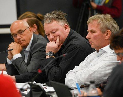 Styret i Helgelandssykehuset stemte for ett sykehus på Helgeland, plassert i Sandnessjøen og omegn. F.v. Paul Birger Torgnes, Dag Christian Johansen og Jann-Georg Falch.