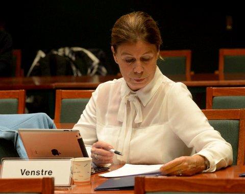 ØNSKER ENDRING: Karin Virik (V) har både i fjor gjennom SB og i en henvendelse til kontrollutvalget for noen uker siden ment at anonyme henvendelser ikke bør behandles.