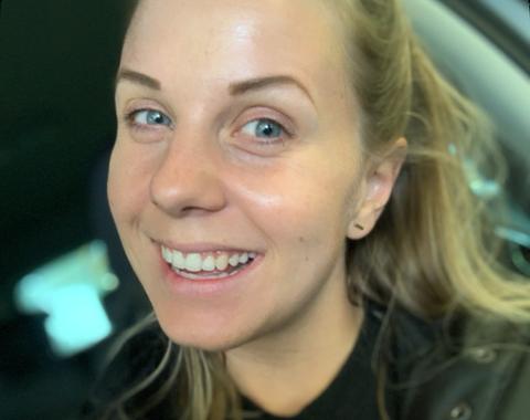 VIL IKKE AT DET STENGES: Hanne Sørbel i MILs håndballgruppe vil ikke at Tau Aktivitetshus blir stengt. Da mister håndballgruppa en viktig treningsarena.