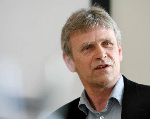 VÆR FØRE VAR: råder Petter Wiberg, byggesakssjef i Bergen. Han råder også folk i resten av landet om å undersøke før en setter i gang med et byggeprosjekt.