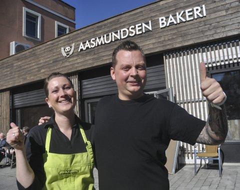 Åpnet i dag: Stig Kåsa og Hanne Christine Smeland åpnet i Storgata på Notodden i dag.