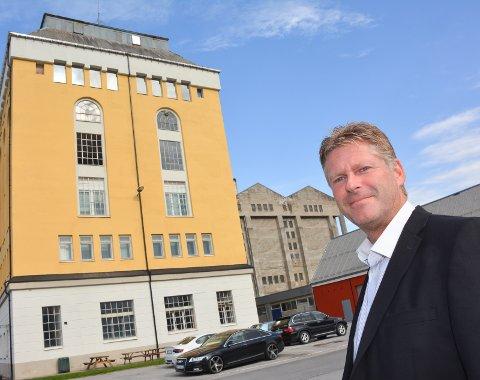 GODE NYHETER: John Terje Veseth synes det er kjempe spennende at et utenlands selskap som Northern Data velger å etablere ser på Notodden. Han mener det vil bidra til å bygge den lokale kompetansen og er en stor seier for næringslivet lokalt.