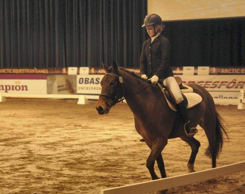 Gulljenta: – Kontrollert og sikkert, var trenerens dom over Helene Bergstøls innsats. Dommerne var minst like fornøyd, og mente hun fortjente en plass øverst på pallen. Foto: Reidar Lindqvist