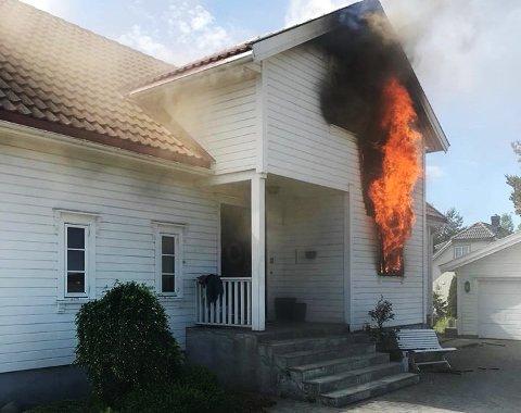 ELSYKKEL-BRANN: Feil ved lading av elsykkel startet denne brannen på Skallevold i Tønsberg. Skadene beløper seg til fire millioner.