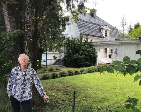 TRIST:- Det er usannsynlig trist og uforståelig at denne historiske perlen i Holmenveien snart skal jevnes med jorden, sier Reidar Gotteberg.