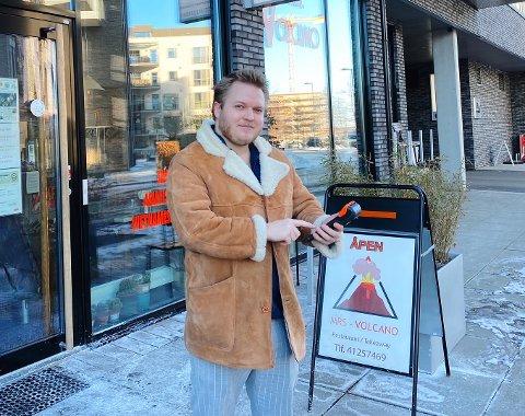 VOKSER FORT: Paal Friele Grung (29) er daglig leder av leveringstjenesten Deel. Han forteller at sjåførene har mange oppdrag for tiden.