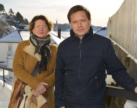 Kritiske: Anne Killingmo (FrP) og Jan Roger Ekedal (Sp) mener kommunen begikk en feil ved å ikke undersøke hva innbyggerne mente, før fiskerestriksjonene ble forlenget med 10 år. Foto: Olav Loftesnes