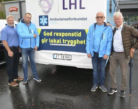 Vil ha ambulanse til Tvedestrand: Fv Erik Kollerud er leder i YS, og opprinnelig ambulansearbeider, Ola Yttre er leder for Ambulanseforbundet i Delta, Knut Olav Austeid, som er seniorrådgiver i Delta, og Jan W. Nævestad (TTL).