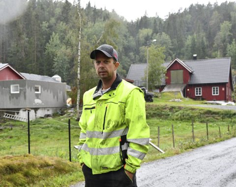 Næringsdrivende: Alf Eivind Myren driver til daglig som bonde hjemme på gården, og er i tillegg underentreprenør for NCC på brøyting og vedlikehold av fylkesveier. Arkivfoto