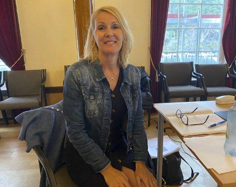 Kommuneøkonomien: Tallene økonomisjef Beate Pettersson presenterte for formannskapet i Tvedestrand tirsdag, var for såvidt oppmuntrende. Foto: Olav Loftesnes