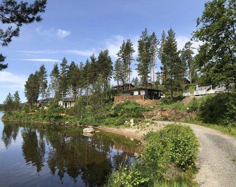 Ingen luksus: Det er verken strøm eller innlagt vann til hyttene ved Ufsvatn. Dette er altså stedet for de som søker det enkle hyttelivet. Nå skal feltet utvides. Arkivfoto