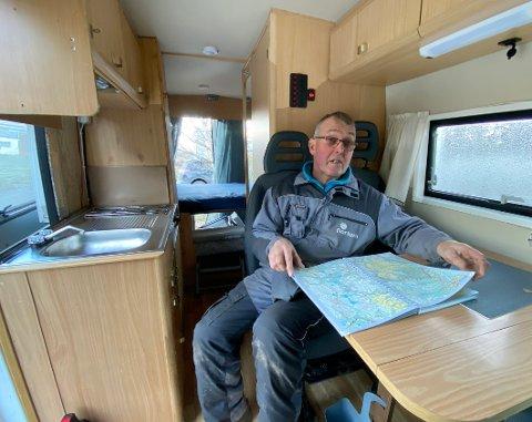 Behov: – Bobilen inneholder alt vi trenger, og den tar seg godt fram. En gang kjørte vi rundt absolutt hele Andøya. Det er det ikke mange andre som har gjort, sier Kurt Ediassen.