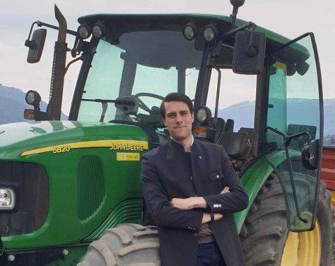Chase Alexander Jordal jaktet makt i Senterpartiet, men har nå meldt seg ut.