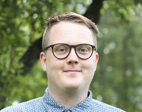 Magnus Weggesrud er lærer i ungdomsskolen, stortingskandidat, politisk, nestleder i Senterungdommen og gruppeleder Nedre Eiker Senterparti