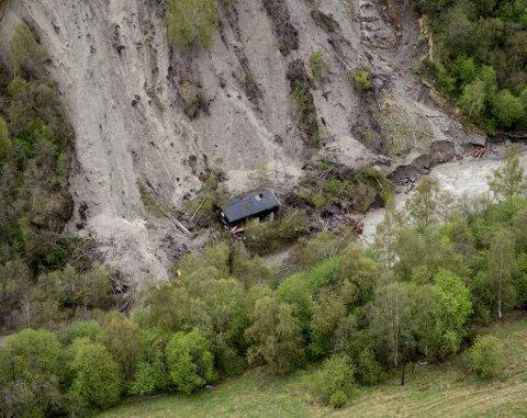 NVE melder om økt skredfare. Bildet er fra jordskred under flommen i Kvam i 2013.