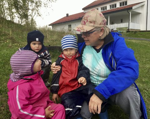 BARNEHAGEN ER FOR BARN: Inger Marit Echholt Wirstad visste allerede da hun var liten jente at hun skulle jobbe med barn. Til sommeren slutter hun.