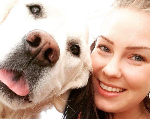 Christin Straum Jakobsen fra Leknes avdarer etter at hunden Dexter fikk i seg amfetamin nær kaien på Napp.