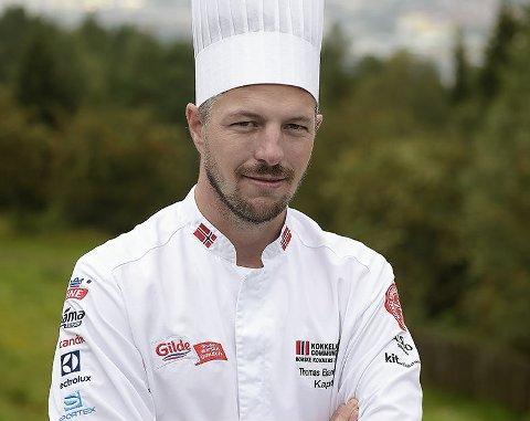 TOK SØLV: Thomas Ekenes-Fosback fra Son er kaptein på kokkelandslaget som stilte i Community Catering under kokke-OL i Stuttgart, og kunne innkassere en sølvplassen for innsatsen på søndag.